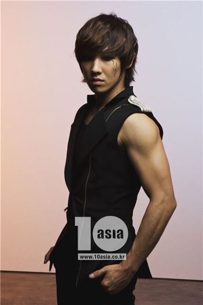 http://iloveohkpop.files.wordpress.com/2010/06/leejoon.jpg